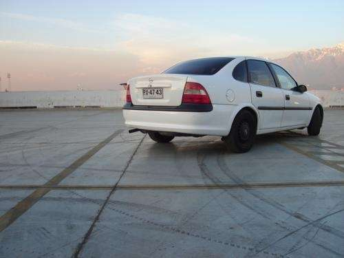 Fotos de Vendo opel vectra b 3