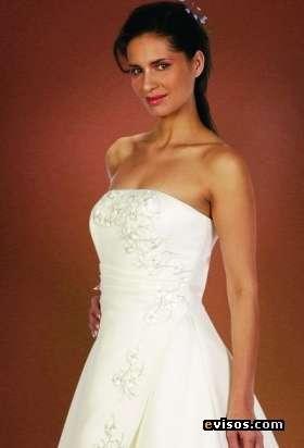 Vendo hermoso vestido de novia color ivory con falso y velo $150.000.-