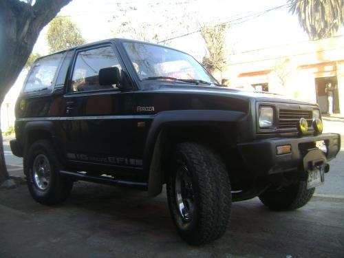 Vendo jeep feroza año 94 al dia