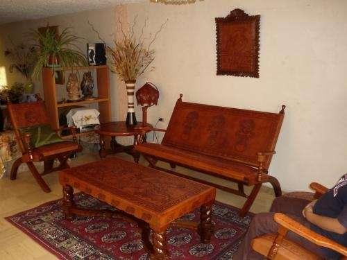 Muebles de de madera (cedro) forrados en cuero repujado (todo hecho a mano)