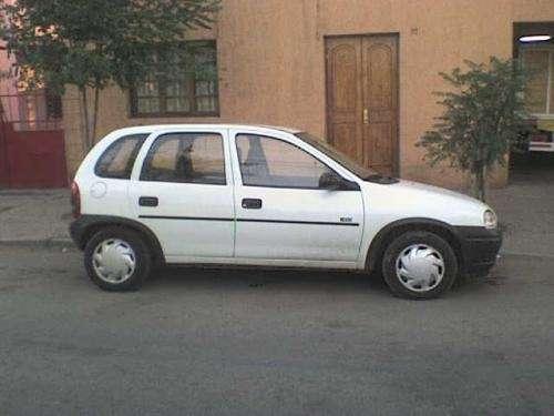 Auto opel corsa 1996