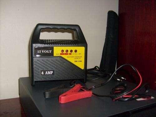 Cargador de baterias 12v. 4 amp. nuevos, el mas barato!!!