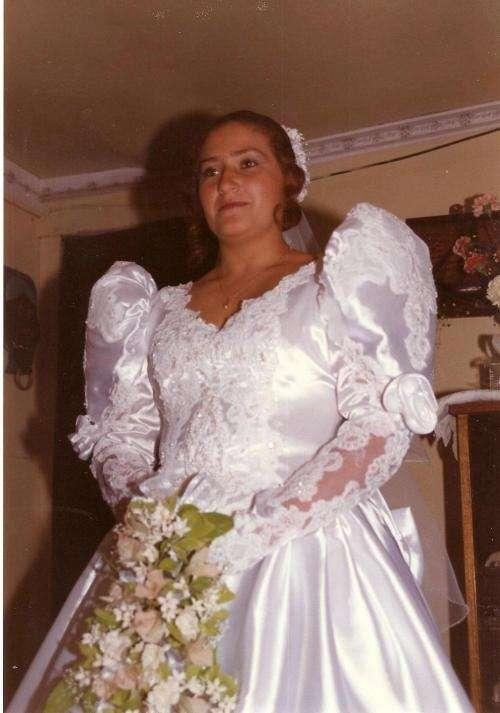 vestido de novia, vendo o arriendo, con accesorios en santiago