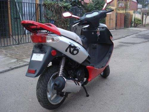 moto scooter r6