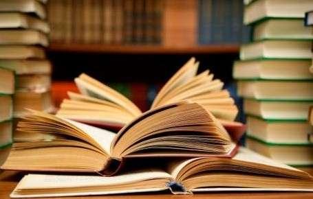 Vendo valiosa biblioteca de libros de economia