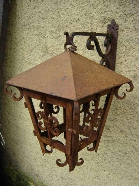 Faroles de hierro best farol colonial de hierro patinado for Faroles en hierro forjado para jardin