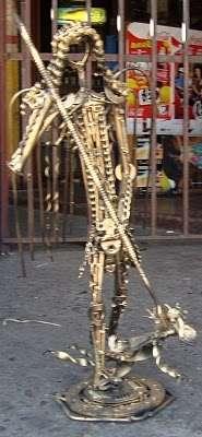Escultura en fierro reciclado