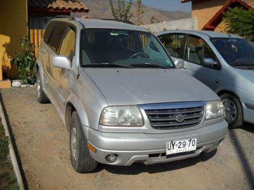 Suzuki grand nomade xl7