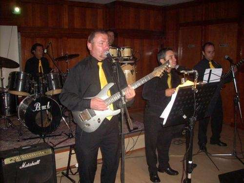 Orquesta banda show fiesta de año nuevo