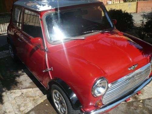 Austin mini año 80 rojo techo blanco