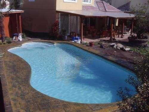 Pergolas para piscinas elegant cubiertas para piscinas en for Pergolas para piscinas