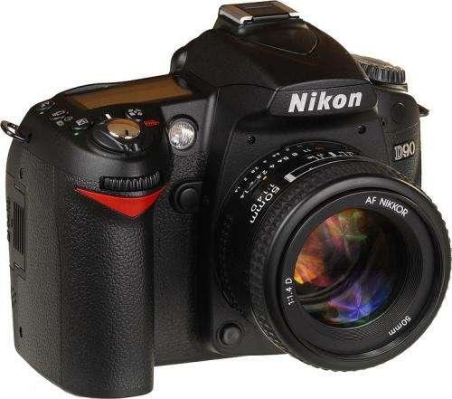 Camara fotografica nikon d90 - nueva con caja y accesorio