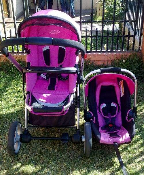 Vendo coche bebesit travel sistem modelo compas ii color rosado