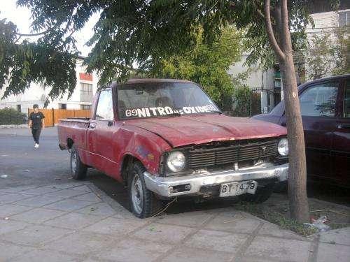 Camioneta toyota hilux 1983 a solo $300000