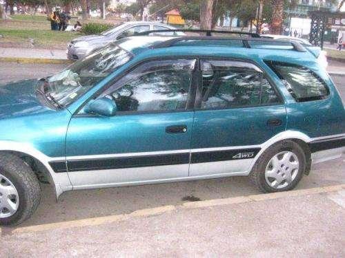 Se vende auto familiar toyota carib 4x4 por apuros