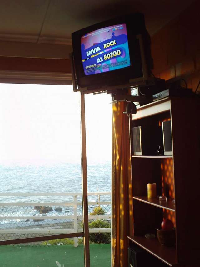 Living vista ala mar con tv cable