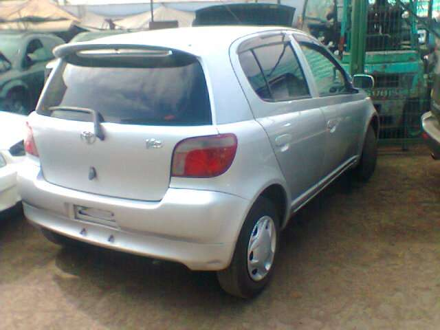Toyota vitz, año 2000, 4 puertas, automatico, 1000cc, 50000km