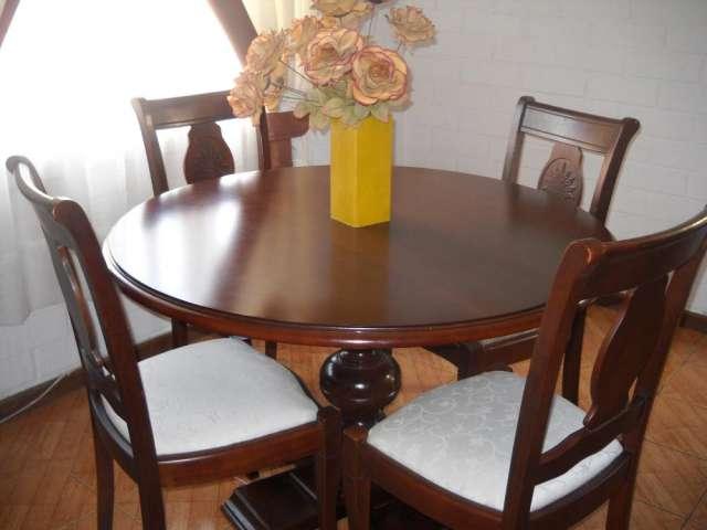 Vendo hermoso comedor de madera 4 sillas tapiz blanco impecable en ...