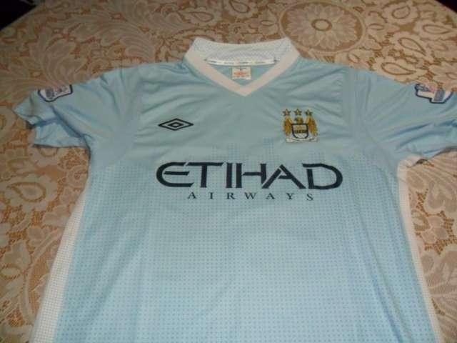 374d317f36db9 Se venden replicas de camisetas de futbol de variados equipos en ...