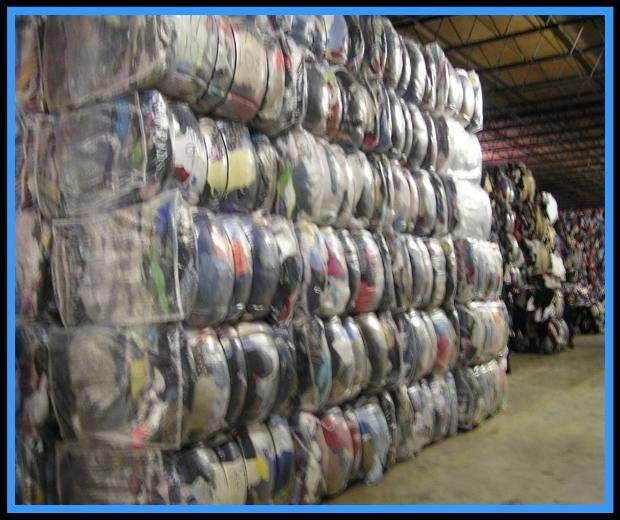 Ropa credencial por contenedores ropa cruda directa de donativos sin tocar