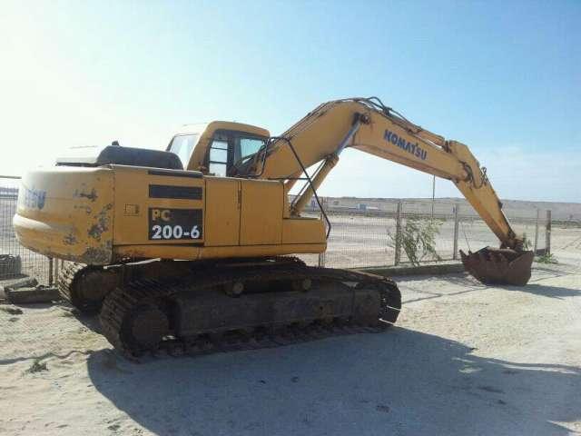 Excelente oportunidad, excavadora komatsu pc200-6, poco uso.