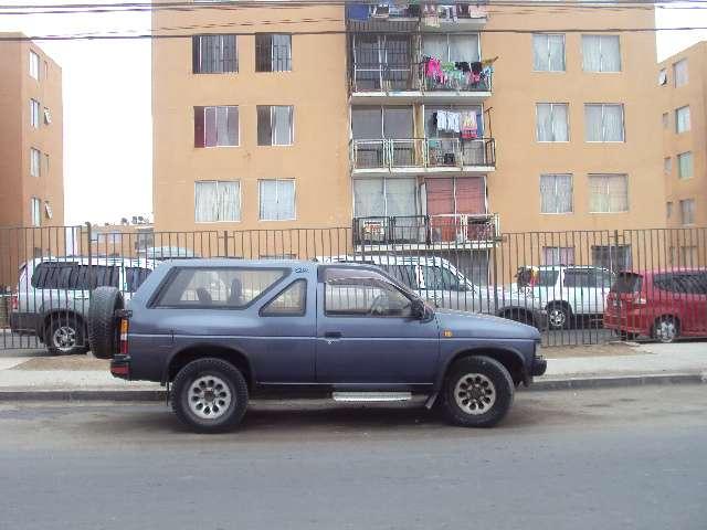 Camioneta 4x4 nissan terrano 2 puertas