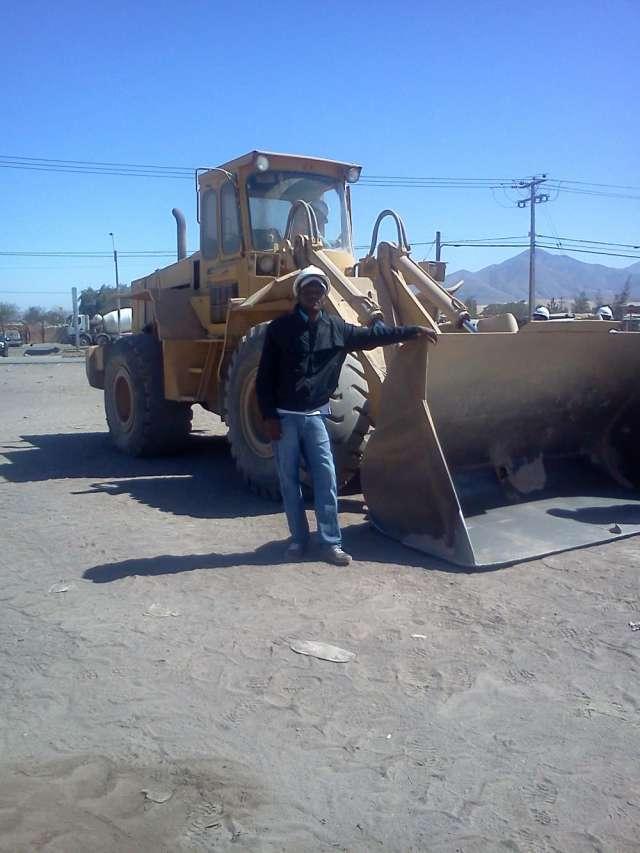 Busco trabajo como operador en maquinaria pesada
