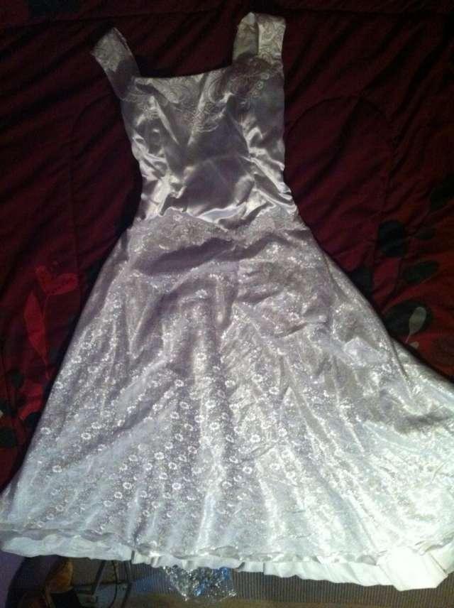 Venta de vestidos de novia distintos modelos y tallas
