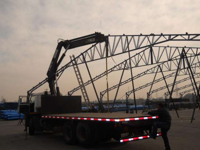 Arriendo camion pluma hymtransporte
