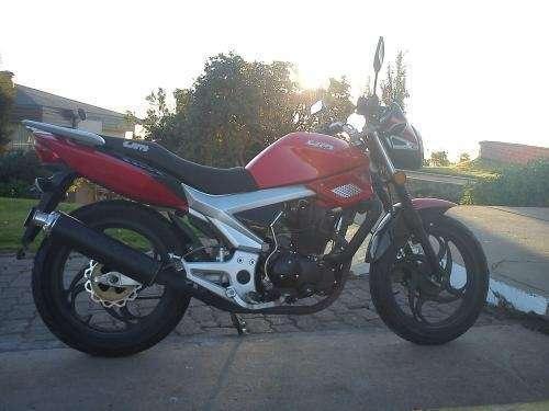 Encontrar united motors color rojo año 2009