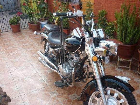 Motocicleta choppera año 2012 impecable