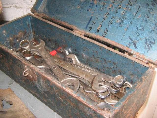 Vendo herramientas taladro vertical ,tornillo mecanico y otros