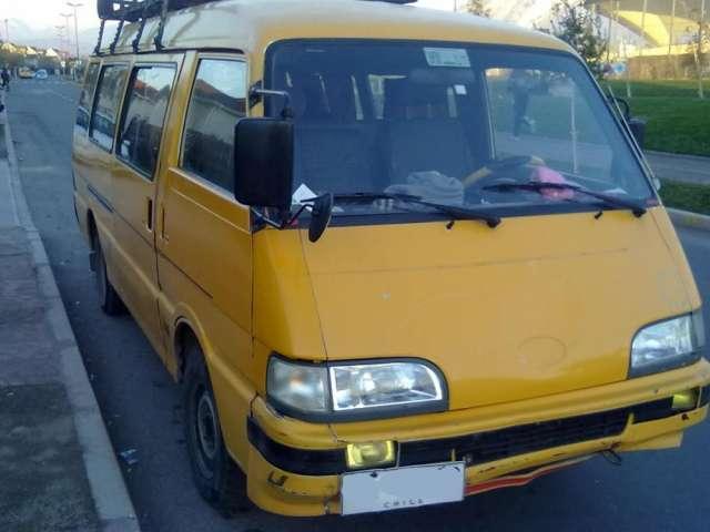 Permuto minibus furgon asia topic 1998 (larga) 16 pasajeros permuto