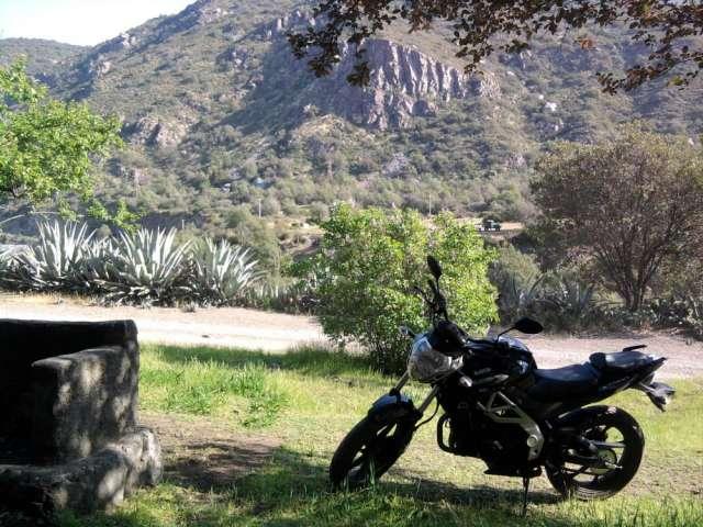 Moto um xtreet 200cc en venta por cambio de cilindraje