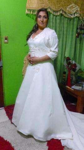 vendo vestido de novia talla 44 a 48 color ocre nuevo en concepción