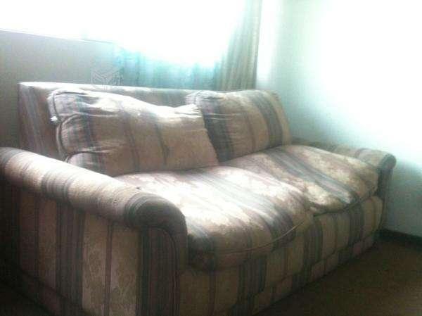 Sofa cama con colchon incluido, en buenisimo estado