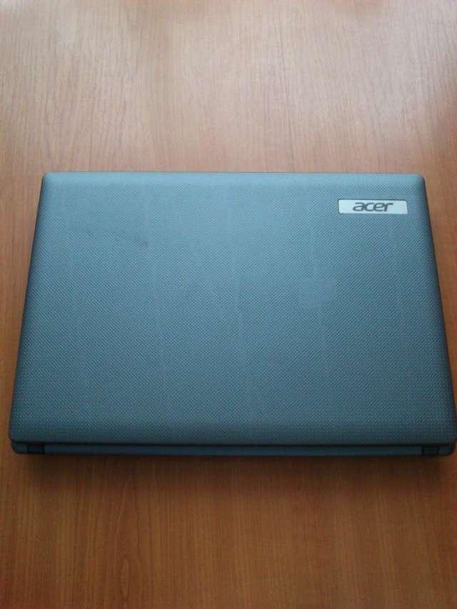 Excelente notebook marca acer como nuevo, poco uso