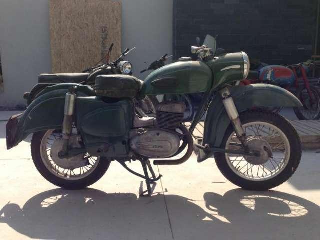 Compro motos antiguas hasta 1970, cualquier estado y marca, también partes y piezas