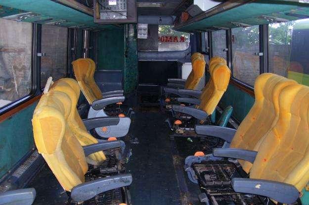 Limpieza interior de buses inter-urbanos