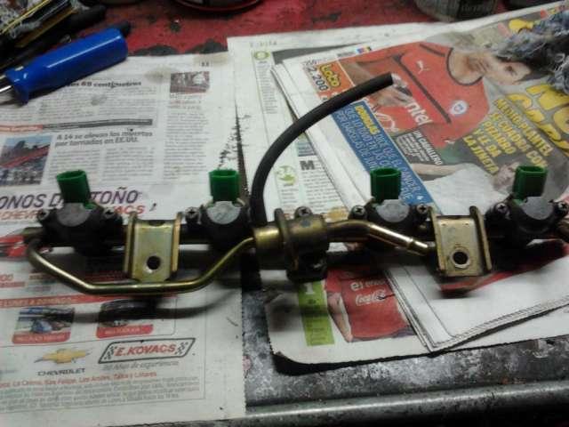 Flauta linea mas inyectores completos (4) mas valvula regulado nissan d-21
