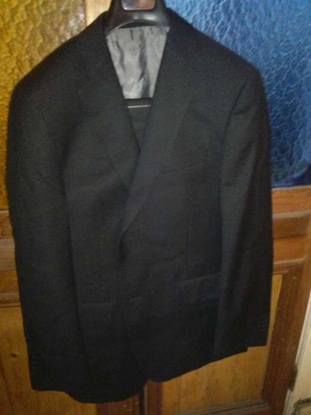 Ofertaaaaaa traje terno trial completamente nievo, comprado en paris, color negro chaqueta pantalom