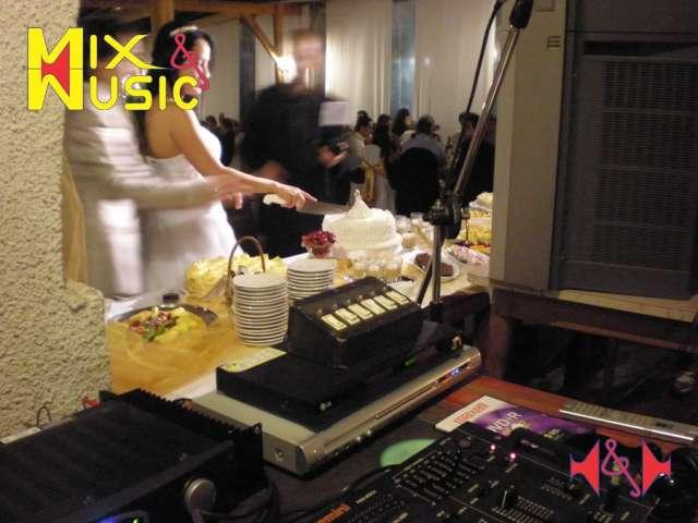Dj, vj, iluminación, karaoke, proyección, sonido en vivo, eventos.