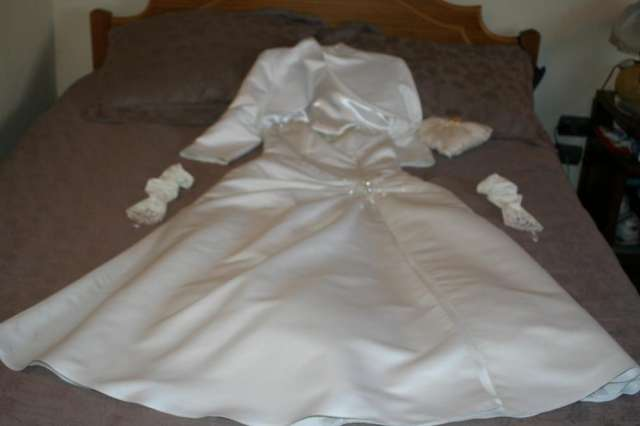 Vendo vestido de novia y accesorios