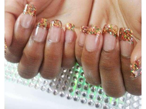Fotos de Cursos de manicure, acrílicas, depilación, pestañas www.fantasynails.cl 3