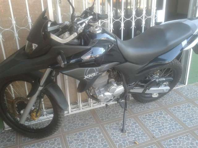 Vendo moto honda xre 300 2013
