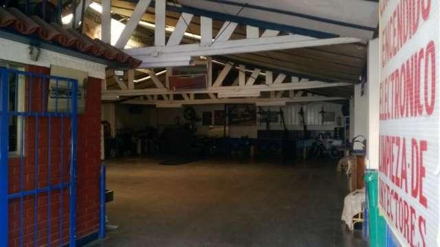 Dueño vende garage único es su estado y privilegiada ubicación