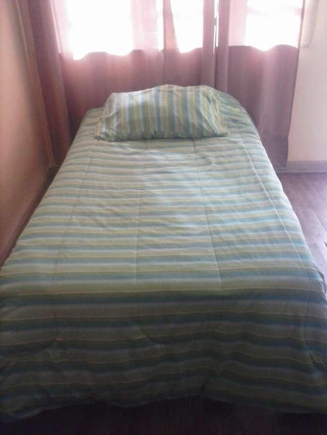 Fotos de Vendo cama americana, escritorio, closet. con un mes de uso 4