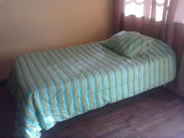 Fotos de Vendo cama americana, escritorio, closet. con un mes de uso 5