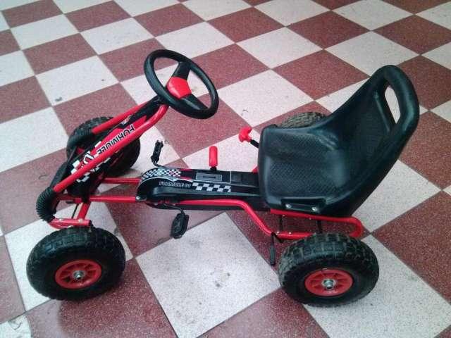 Mini auto para niño casi nuevo oferton