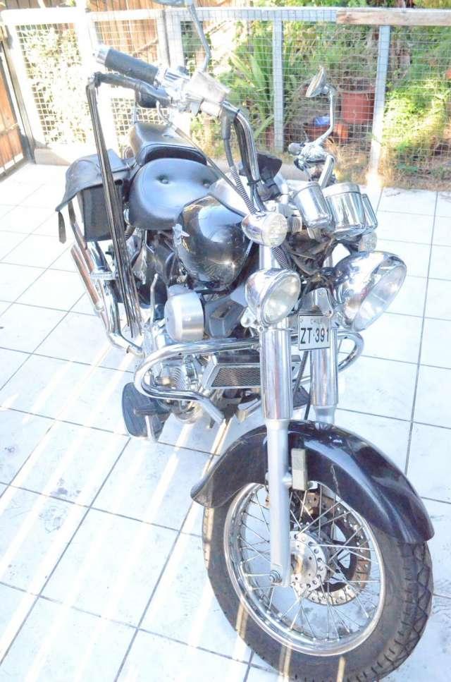 Vendo excelente moto chopera renegado año 2012, $ 580.000 15.000 kms. año: 2012